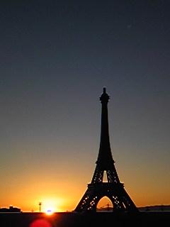 パリの日の出