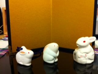白ウサギトリオ